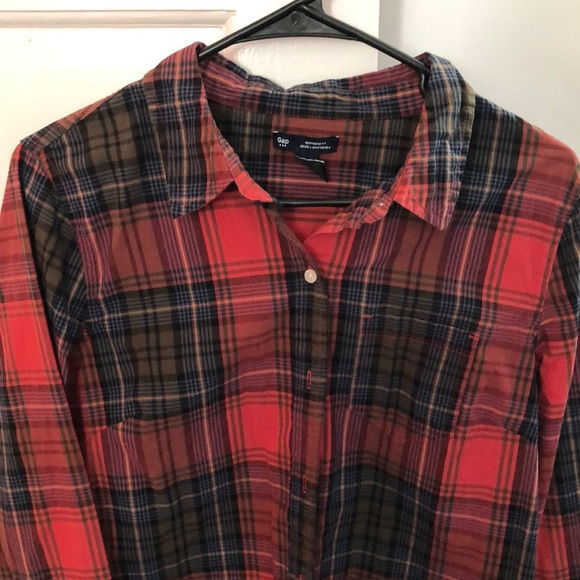 GAP Tops - Gap boyfriend fit plaid button down
